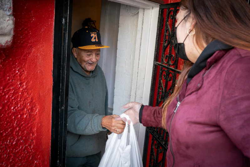 Delivering to meal recipient